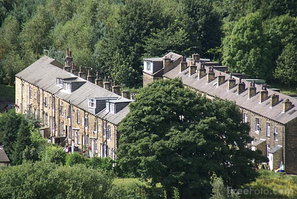Picture of terraced houses - Free Pictures - FreeFoto.com