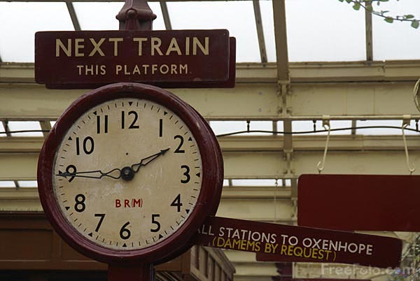 Picture of Railway Clock - Free Pictures - FreeFoto.com
