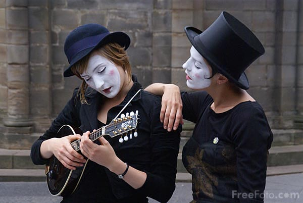 Picture of Mime artist at the Edinburgh Fringe - Free Pictures - FreeFoto.com