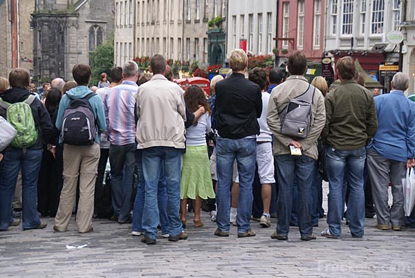 Picture of Crowds at the Edinburgh Fringe - Free Pictures - FreeFoto.com