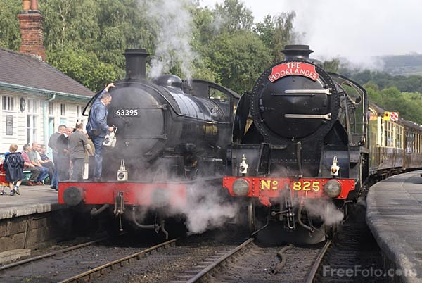 Picture of Grosmont Railway Station - Free Pictures - FreeFoto.com