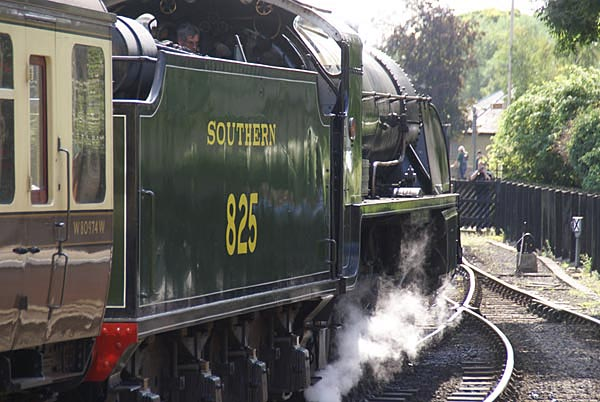 Picture of SR Class S15 4-6-0 steam locomotive 825 - Free Pictures - FreeFoto.com