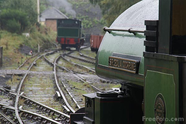 Picture of Robert Stephenson & Hawthorns 0-4-0ST Sir Cecil. A Cochrane - Free Pictures - FreeFoto.com