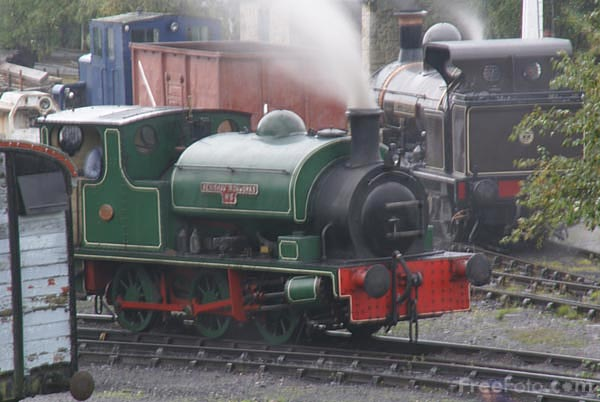 Picture of Hudswell Clarke 0-6-0ST Renishaw Ironworks number 6 - Free Pictures - FreeFoto.com