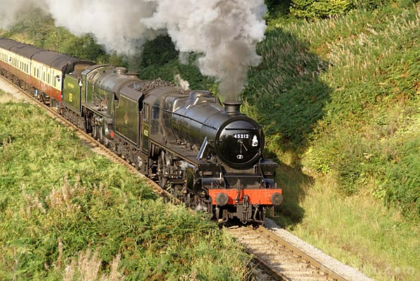 Picture of LMS Stanier class 5MT 4-6-0 45212 and Southern Railway class S15 - Free Pictures - FreeFoto.com