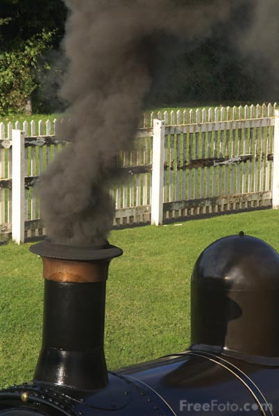 Picture of smoking chimney - Free Pictures - FreeFoto.com