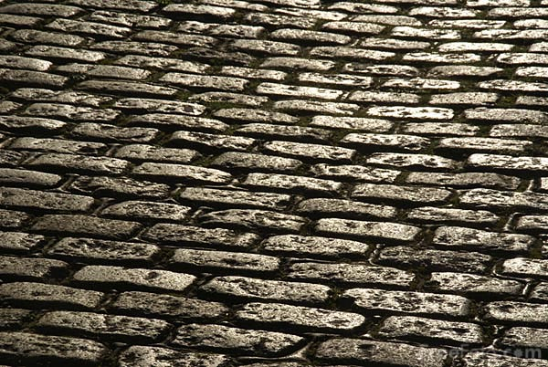 Picture of cobbled street - Free Pictures - FreeFoto.com