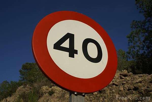 Picture of 40 kilometer speed sign - Free Pictures - FreeFoto.com