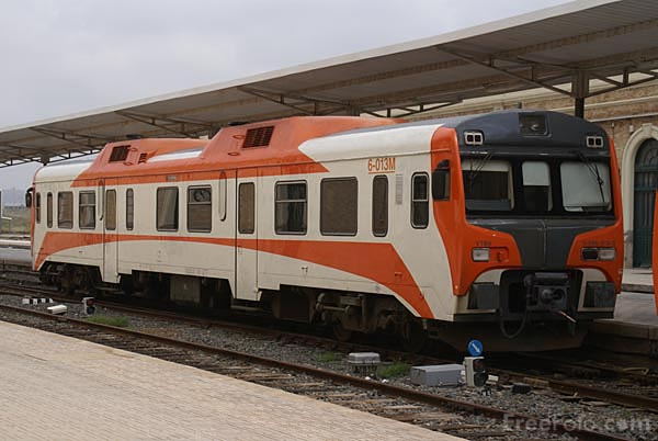 Picture of RENFE class 596 Diesel multiple unit at Cartagena railway statio - Free Pictures - FreeFoto.com