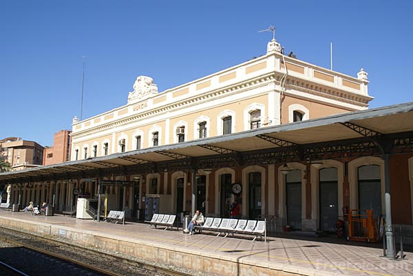 Picture of Murcia railway station - Free Pictures - FreeFoto.com