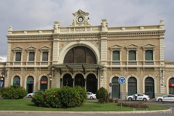 Picture of Cartagena railway station - Free Pictures - FreeFoto.com