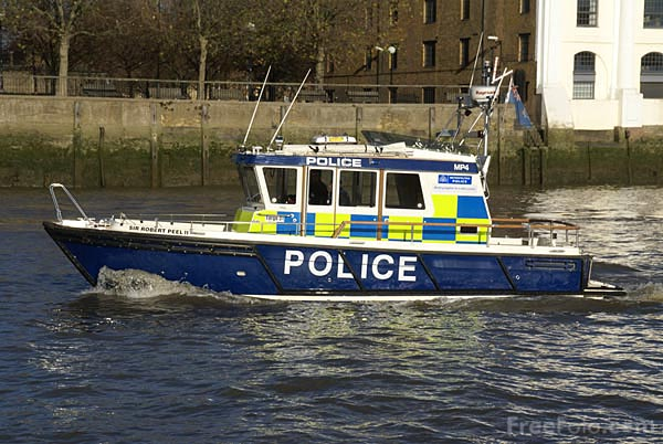 Picture of A Police Launch on the River Thames - Free Pictures - FreeFoto.com