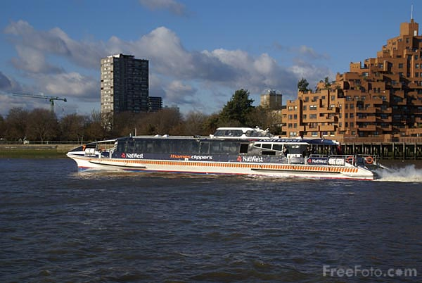 Picture of Thames Clippers commuter passenger service on the River Thames - Free Pictures - FreeFoto.com