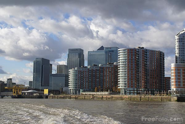 Picture of Canary Wharf as viewed from the River Thames - Free Pictures - FreeFoto.com