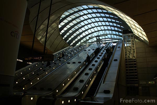 Picture of Canary Wharf underground station - Free Pictures - FreeFoto.com