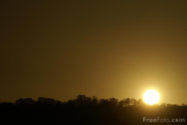 Picture of Sunset on the River Tyne - Free Pictures - FreeFoto.com