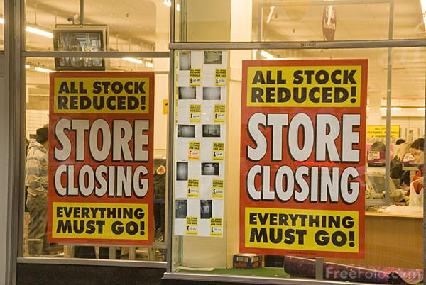 Picture of Woolworths store closing - Free Pictures - FreeFoto.com