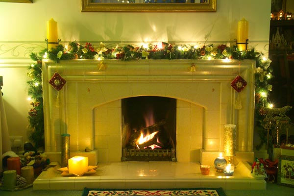 Picture of Coal Fire at Christmas - Free Pictures - FreeFoto.com