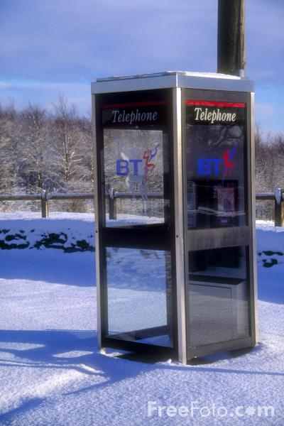 Picture of Telephone box in the snow, Capheaton, Northumberland - Free Pictures - FreeFoto.com