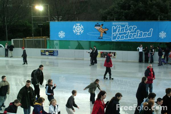 Picture of Ice skating, Winter Wonderland outdoor ice rink, Edinburgh - Free Pictures - FreeFoto.com