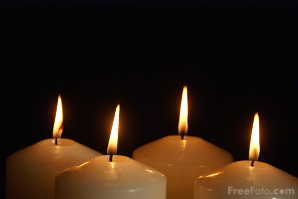 Picture of Four Advent Candles - Free Pictures - FreeFoto.com