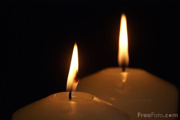 90_20_4---Two-Advent-Candles_web.jpg