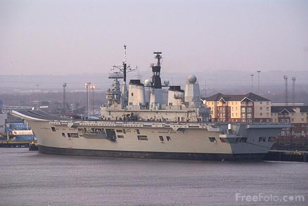 Picture of HMS Ark Royal on Tyneside - Free Pictures - FreeFoto.com