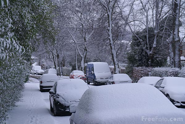 Picture of The worst snowfall for nearly 20 years hits Britain - Free Pictures - FreeFoto.com
