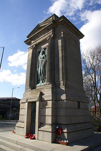Picture of Gateshead War Memorial - Free Pictures - FreeFoto.com