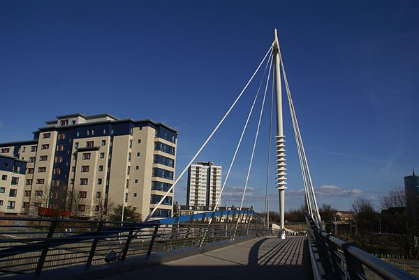 Picture of City Campus East Footbridge - Free Pictures - FreeFoto.com