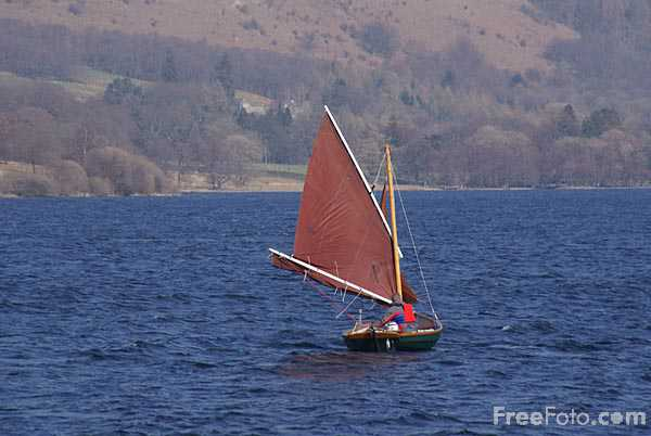 Picture of Sailing on Ullswater Lake - Free Pictures - FreeFoto.com