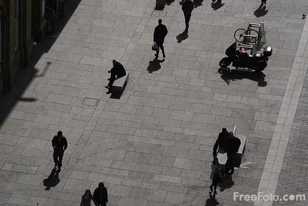 Picture of Grey's Monument - Free Pictures - FreeFoto.com