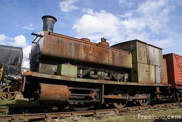 Picture of Rusty old steam engine - Free Pictures - FreeFoto.com