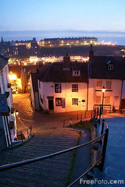 Picture of Whitby in the evening - Free Pictures - FreeFoto.com