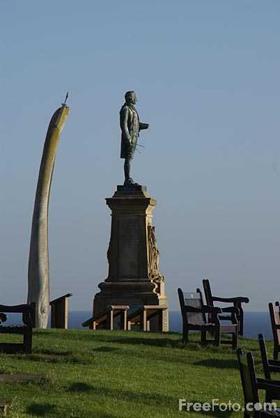 Picture of Whale Bone Arch Whitby - Free Pictures - FreeFoto.com