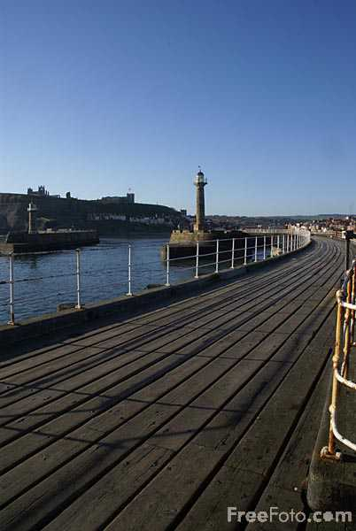 Picture of Whitby Pier, North Yorkshire - Free Pictures - FreeFoto.com