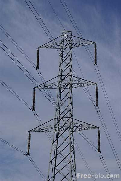 Picture of Electricity pylon - Free Pictures - FreeFoto.com