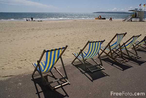 Picture of Deck Chairs Bournemouth Seafront - Free Pictures - FreeFoto.com