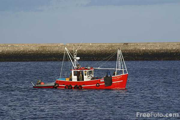 Picture of Fishing Boat in South Shields - Free Pictures - FreeFoto.com
