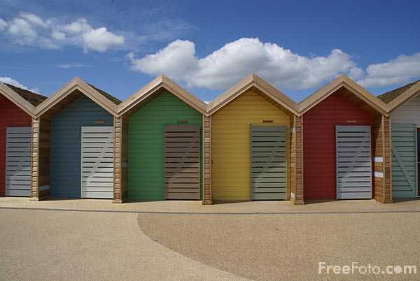Picture of Blyth beach huts - Free Pictures - FreeFoto.com