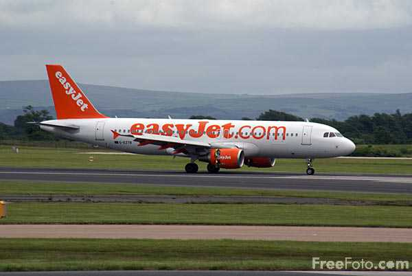 Picture of EasyJet Airbus A320 G-EZTB - Free Pictures - FreeFoto.com