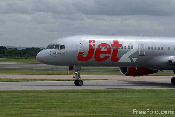 Picture of Jet2 Boeing 757-200 G-LSAJ - Free Pictures - FreeFoto.com