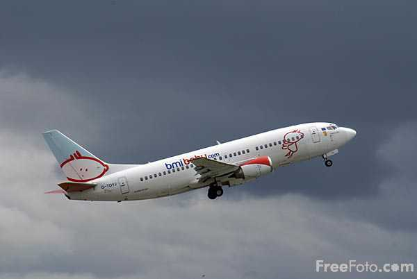 Picture of Bmibaby Boeing 737 G-TOYJ - Free Pictures - FreeFoto.com