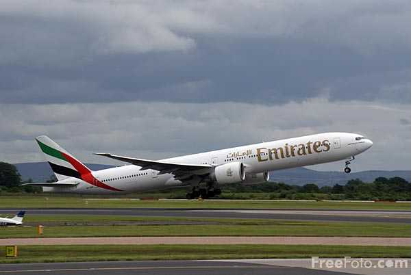 Picture of Emirates Airlines Boeing 777 A6-EBQ - Free Pictures - FreeFoto.com