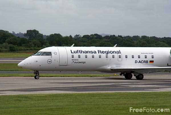 Picture of Lufthansa Regional Bombardier CRJ-200ER D-ACRB - Free Pictures - FreeFoto.com