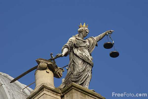 Picture of Scales of justice, The Guildhall, City of Bath - Free Pictures - FreeFoto.com