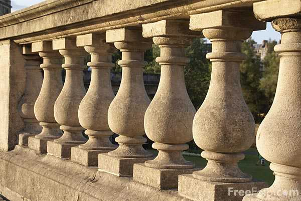 Picture of sculptured stone wall - Free Pictures - FreeFoto.com