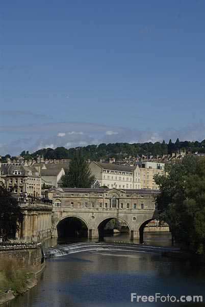Picture of Pulteney Bridge, City of Bath - Free Pictures - FreeFoto.com