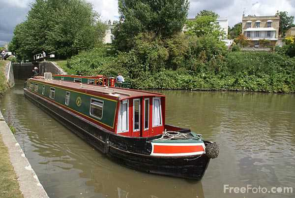 Picture of The Kennet and Avon Canal - Free Pictures - FreeFoto.com