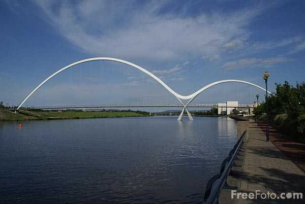 Picture of Infinity Bridge, Stockton on tees - Free Pictures - FreeFoto.com